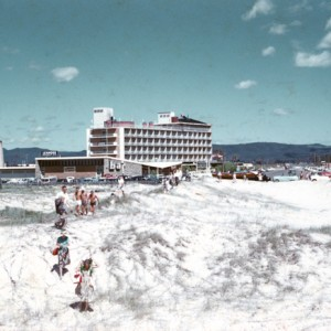 Lennons Hotel circa 1960s by G A Black, City of Gold Coast Local Studies Library